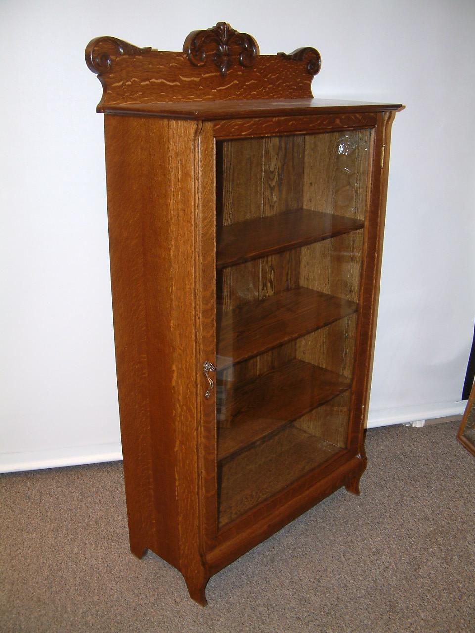 Quartersawn Oak Single Door Bookcase